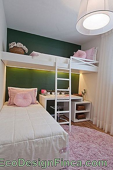 light pink carpeting mat in teenage room