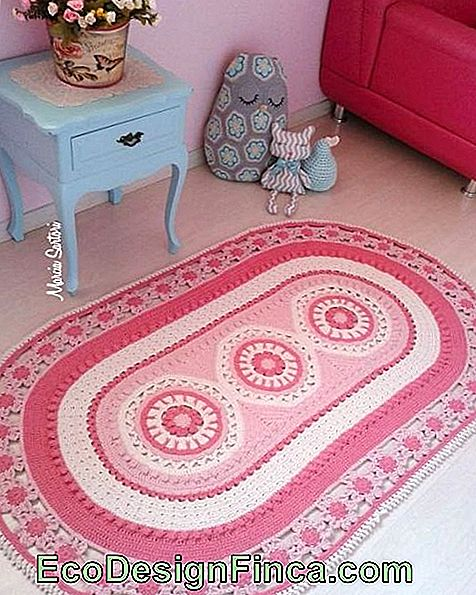 pink crocheted rug