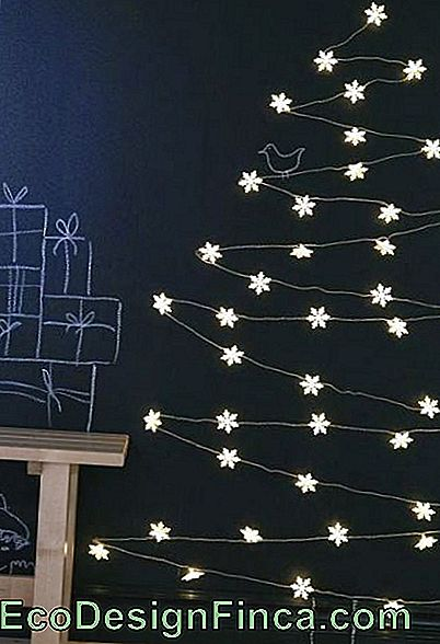 Christmas Tree on the Wall - 50 Awesome Ideas & DIY Tutorial Easy!: wall