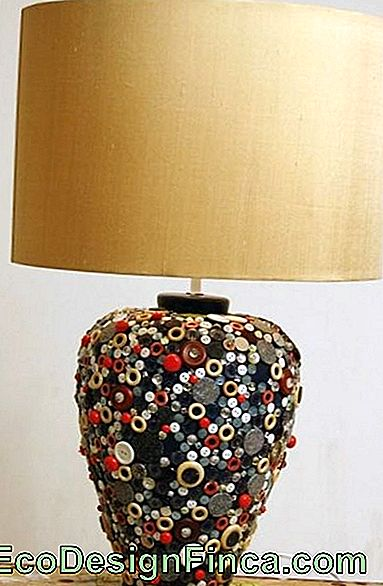 lampes artisanales avec boutons