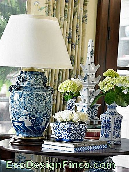 Blue Vase Decoration - 15 Beautiful Models & Must Do!: vase bleu