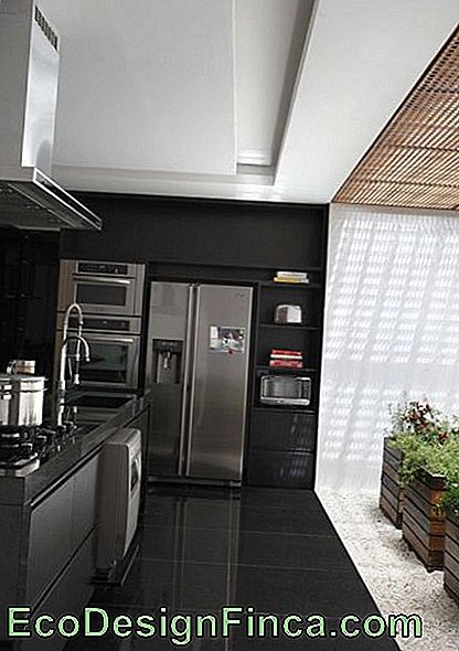 piano-black-cucina-chic