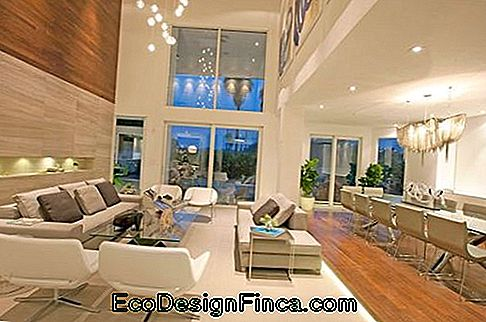 double height living room decoration