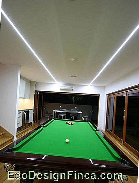 nastro led-on-soffitto