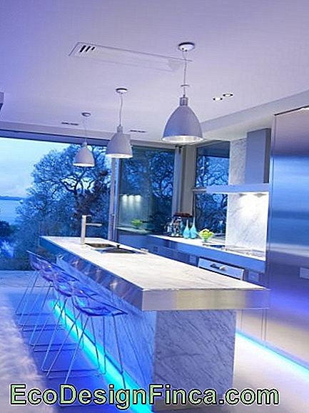 Tape-di-led-balcone-the-cucina