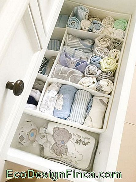 baby room organisation