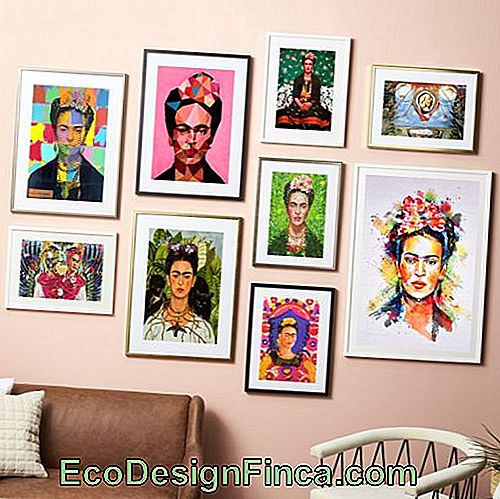 Portraits with images of Frida Kahlo.
