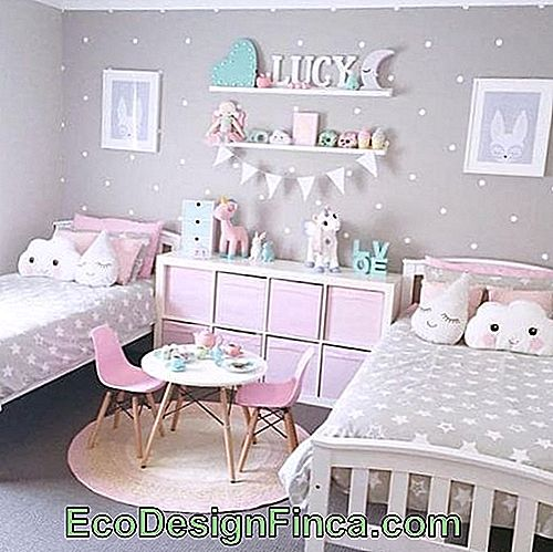 Tip to decorate sisters room with the unicorn theme