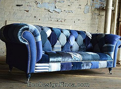 """Chesterfield"" sofa"