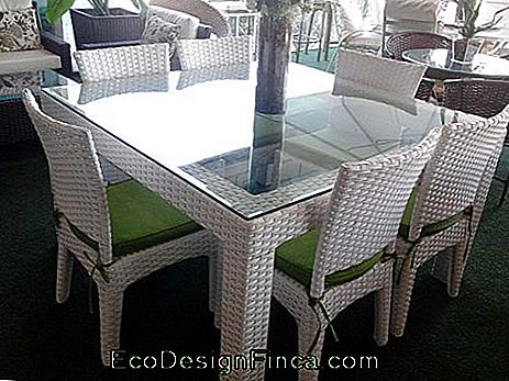 tables en osier blanc