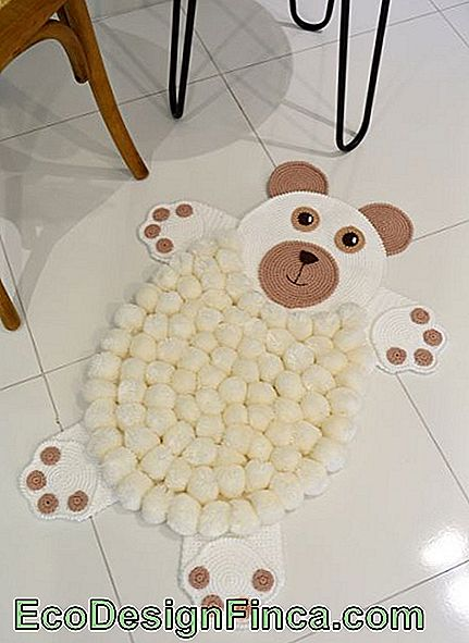 Pompom Rug - 50 modele Fancy & Step by Step DIY!: este