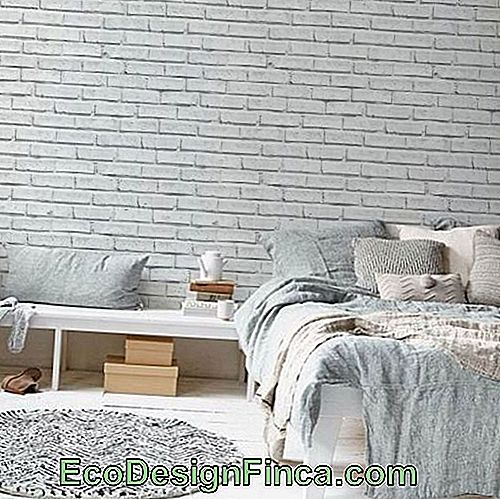 Brick-white-paper-to-wall-3