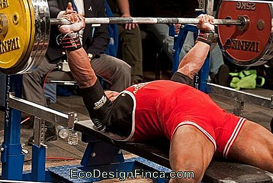 Sportblessures... Dorsalgia van Weight Lifter!: oefening