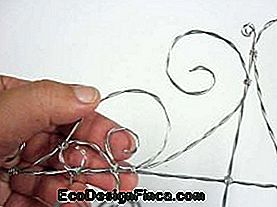 How to Make a Twisted Wire Shelf: make