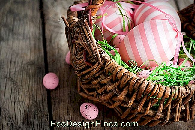 Decorating Ideas For Easter Using Natural Eggs