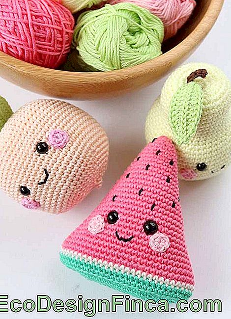 Fruits! Make one of each type and assemble an amigurumi fruit bowl