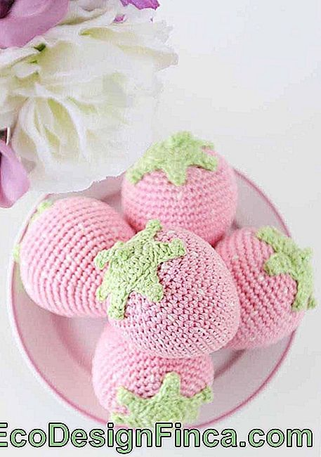 Amigurumi version strawberries