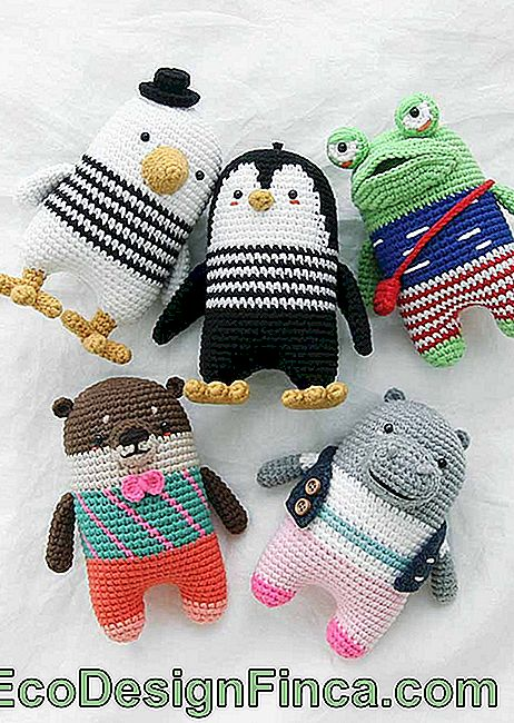 In addition to being enthralling, amigurumis are addictive: you'll want a collection of them
