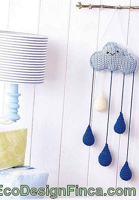 Amigurimi cloud with right up to the raindrops: a charm only for the children's room