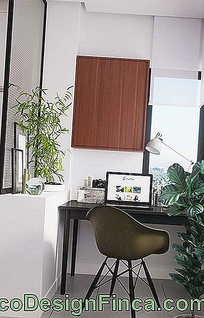 Balcone e home office decorato appartamento