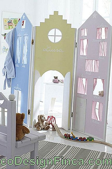 Screen for children's room with windows and doors