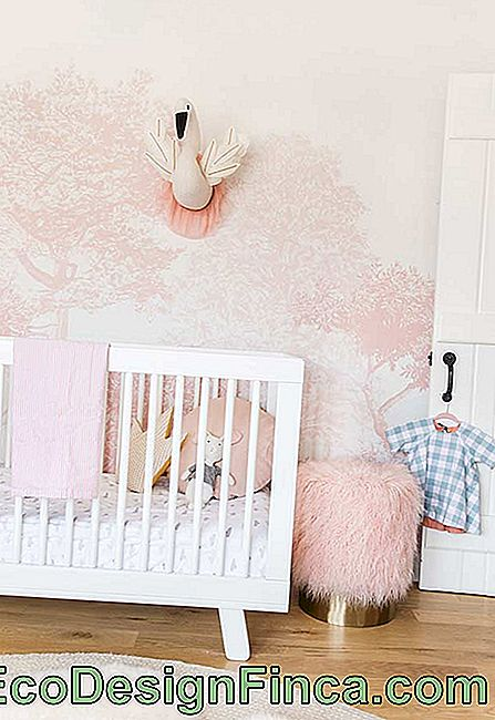 Pink and magical forest as inspiration for decoration of small baby's room