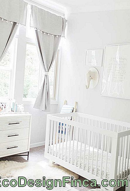 Small baby room off-white