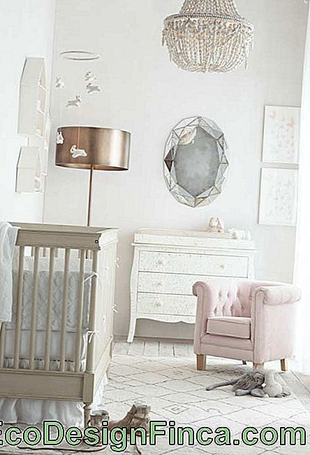 Super stylish for a baby room with princess style