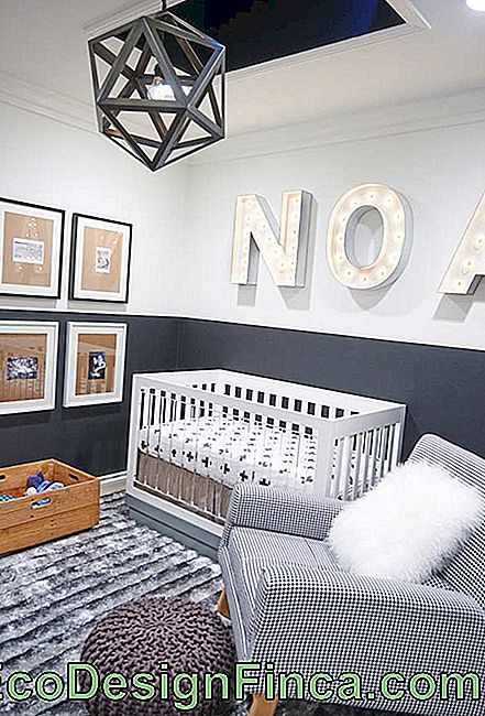 Soft surfaces in small baby room