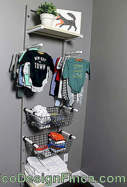 Alternative of open wardrobe for baby