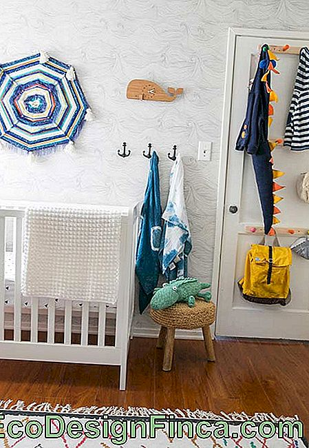 Small baby room decoration with ornaments