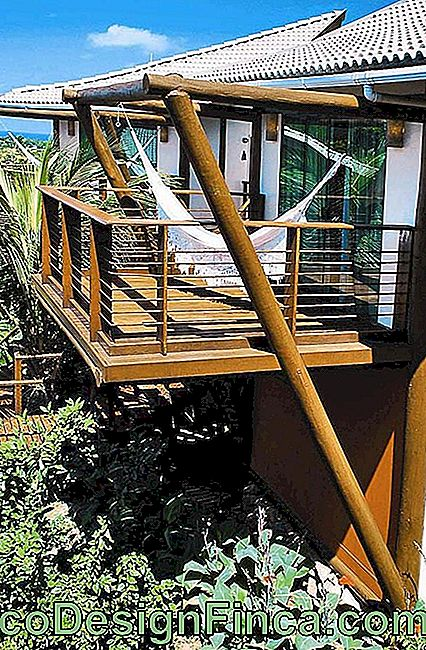 Suspended wooden balcony