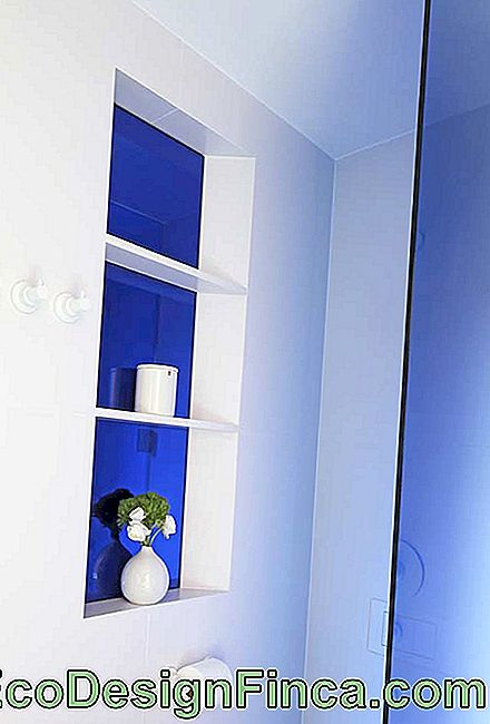 Blue bathroom to draw attention