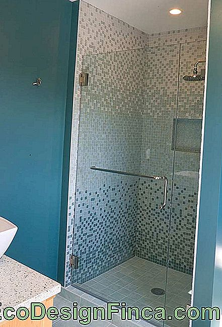 Example of a vibrant color bathroom that gets more neutral in the box area