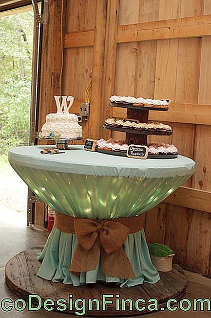 At parties and events, the reel table stands out