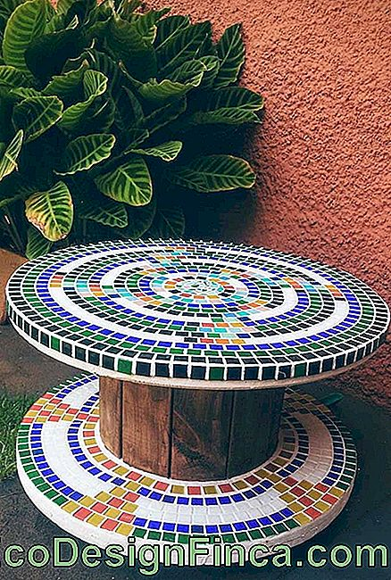 Spool table top to bottom mosaic