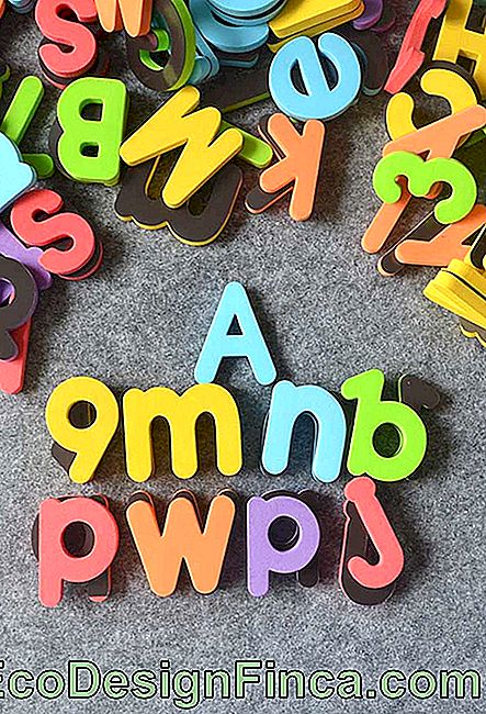 EVA lowercase letters to train reading and writing of children