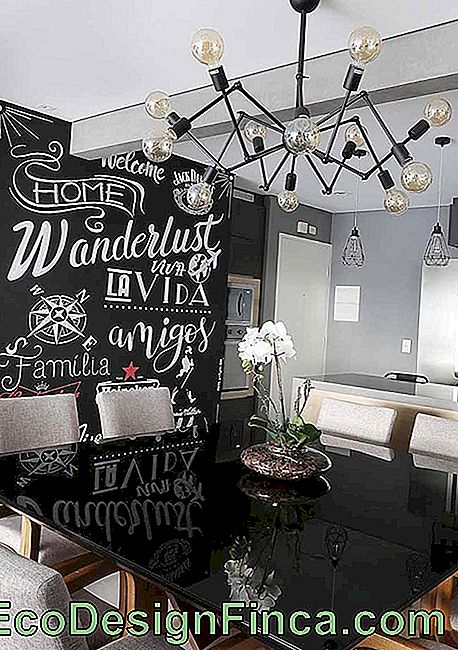 The dining room has won a relaxed Chalkboard that brighten the whole environment