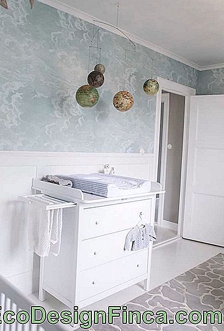 White dresser for baby: timeless model and that always goes well