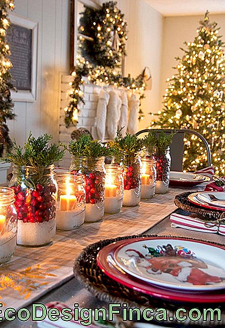 Ornaments with table candles