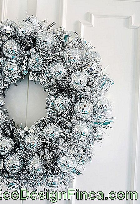 Different Christmas Wreaths