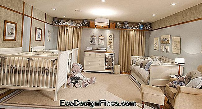 Baby room con decorazioni beige