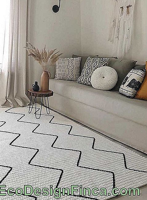 Version au crochet du tapis scandinave traditionnel, belle à vivre!