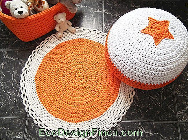 Set con pouf e cestino all'uncinetto