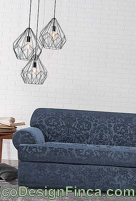 Minimalist and modern environments can also benefit from jacquard sofas