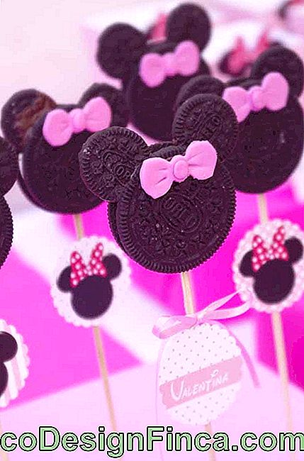 Creativiteit + gevulde wafer = Minnie-lollies