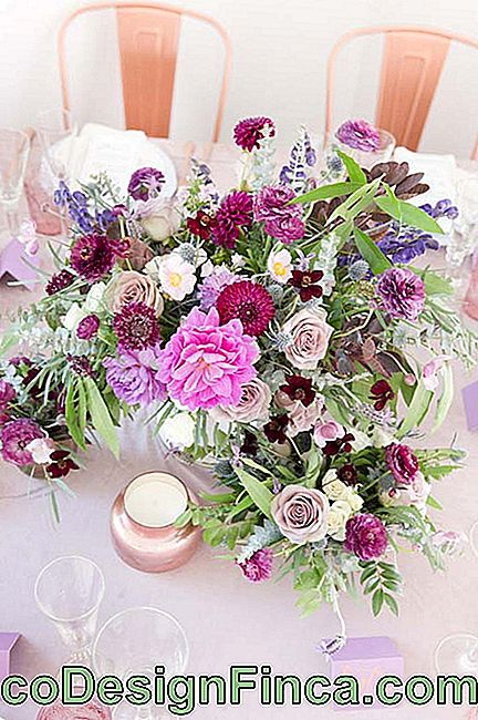 Flowers for field wedding guarantee colorful and diverse arrangements