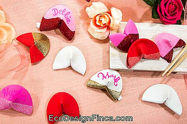 Make EVA Luck Cookies for Decoration