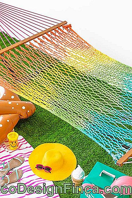 Rete riposante in macramè: colorata per il clima tropicale.