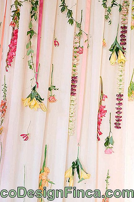 Simple Wedding Flower Curtain